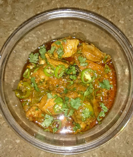 Spicy chicken handi