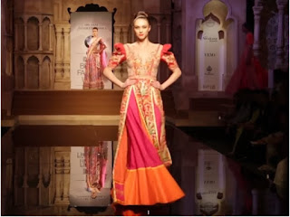 Bridal Lehenga Choli, Bridal Lehenga saree, Bridal Sarees, Bridal Gowns, Wedding Gowns, Wedding Saris, Long Anarkali Suits, Straight cut dresses, Evening Gowns, Indo-Western Gowns, Jacket style choli lehenga