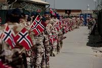 Norske soldater feirer 17. mai i Meymaneh. Foto: beagle84, CC BY 2.0