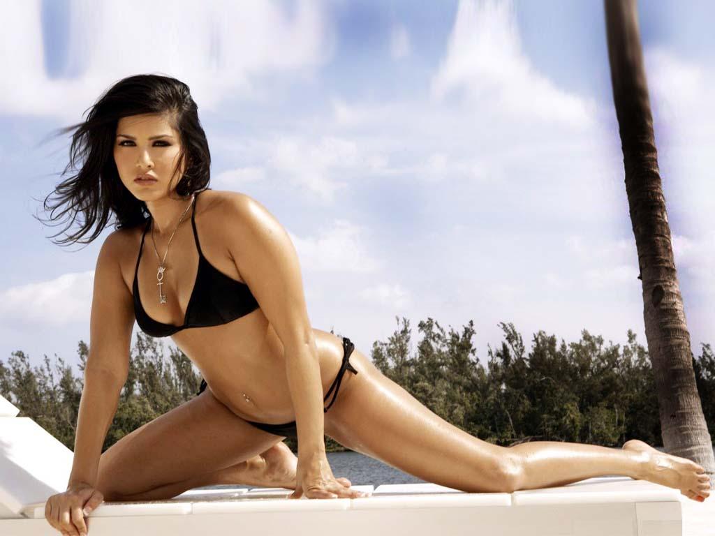 Sunny Leone Hot Bikini Photoshoot At Beach  My 24News And -8442