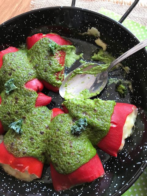 pimientos rellenos de calamar y langostinos con alioli gratinado receta