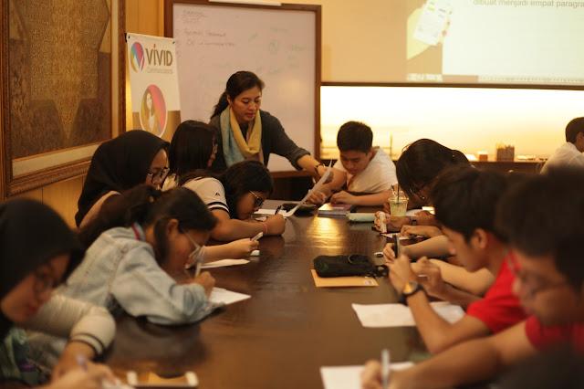 pelatihan menulis remaja vivid argarini