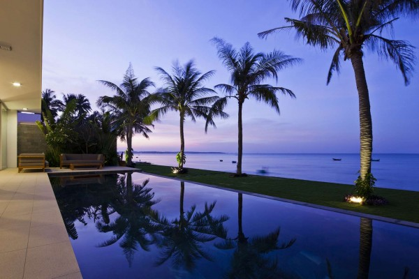 kolam renang desain villa sederhana