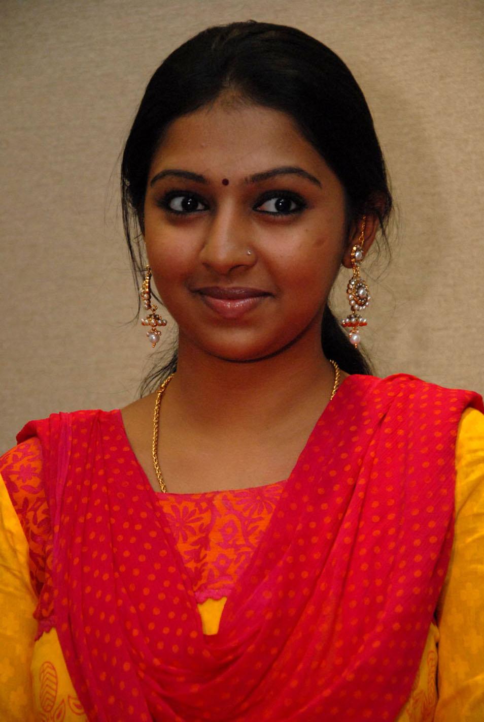 Actress Vichitra wiki Biography DOB movies images