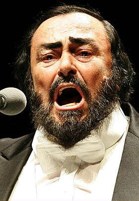 Foto de Luciano Pavarotti en el escenario