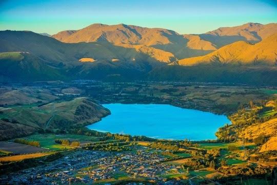 Danau Wakatipu dan Queenstown