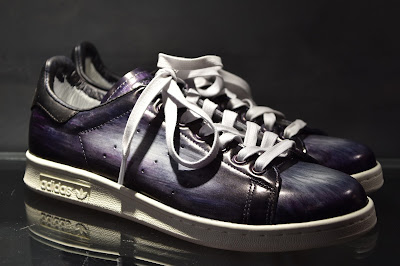 Patine Paulus Bolten, sur stan smith gris finitions violet