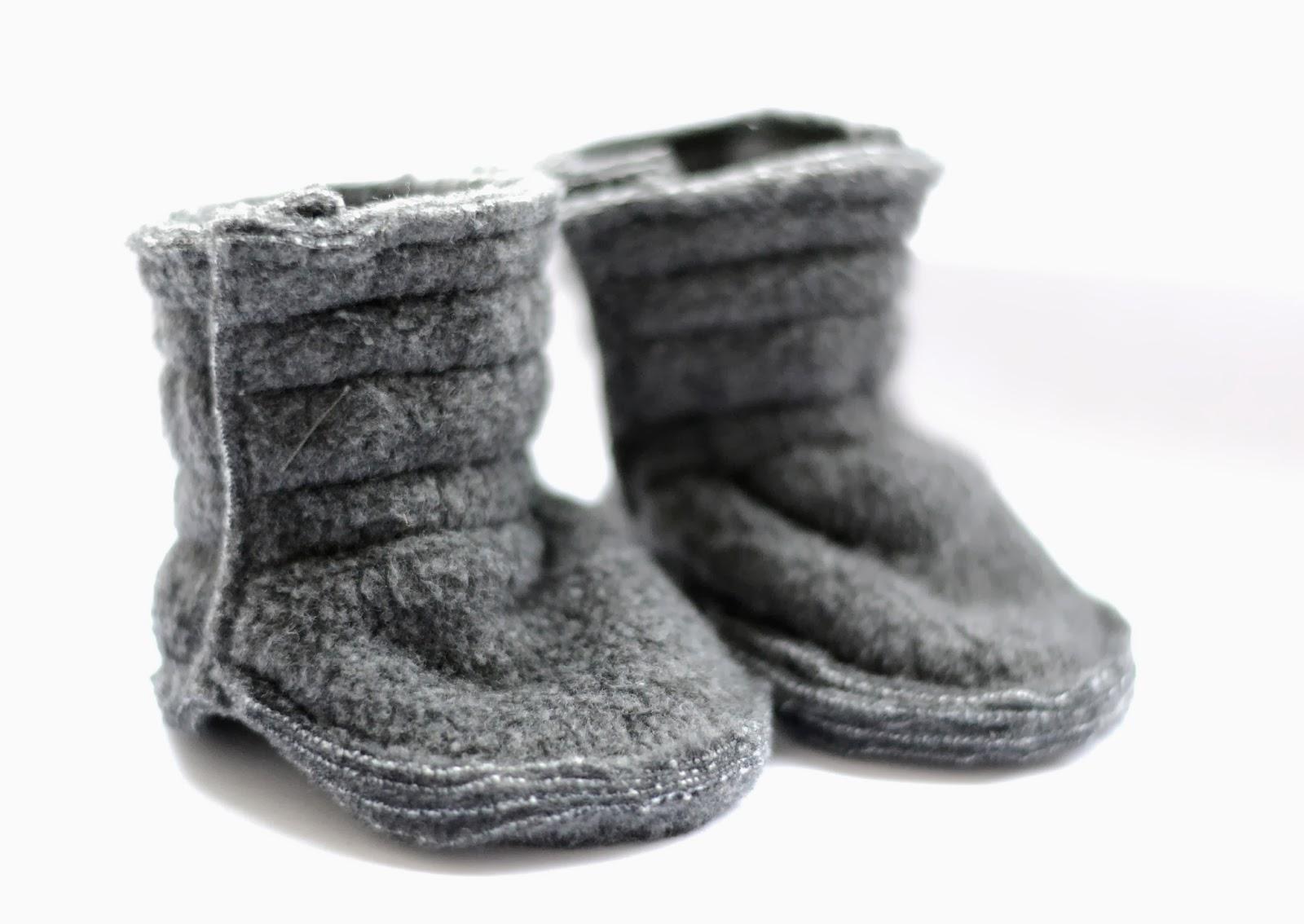 Baby booties grey fleece