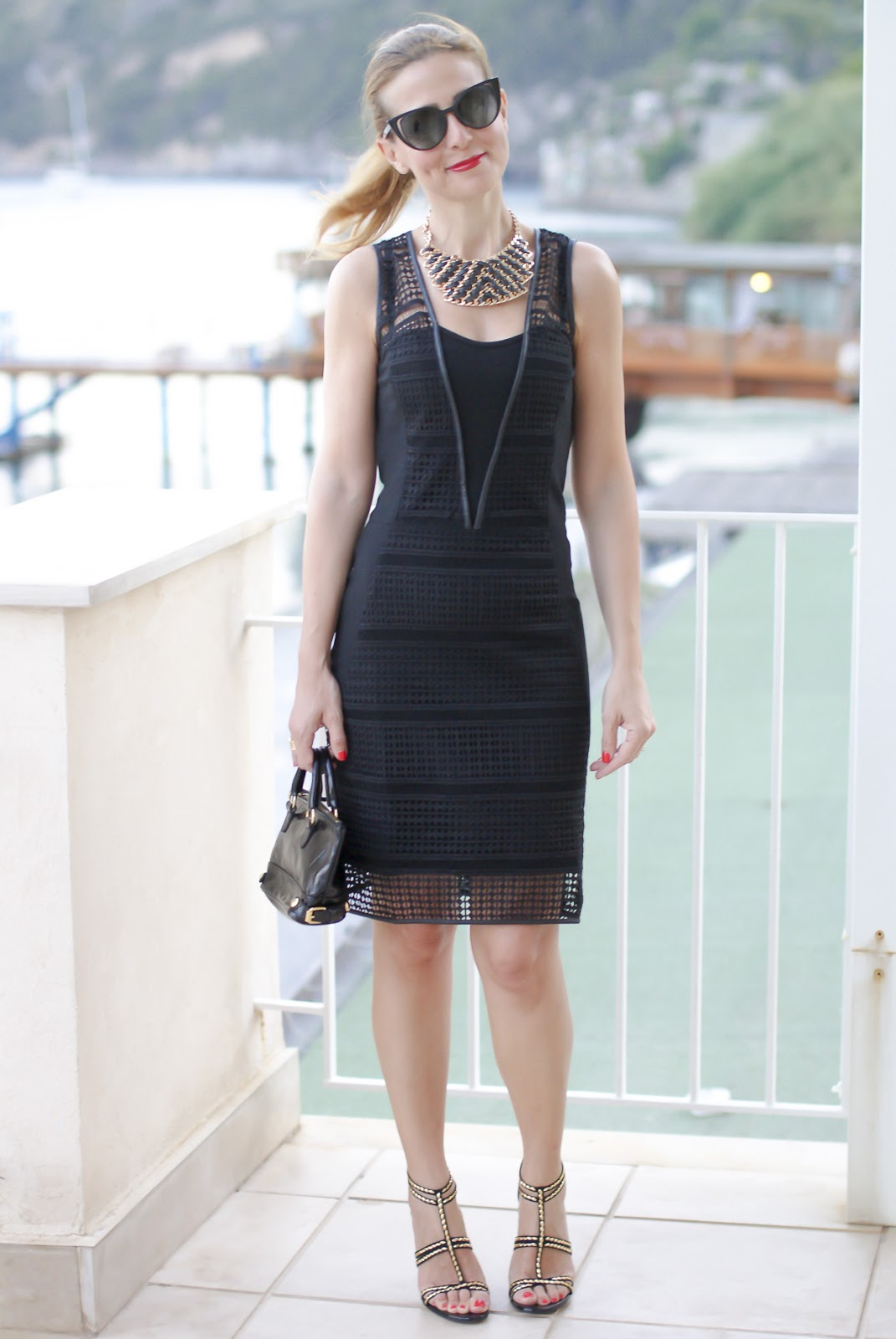 Sexy bodycon dress with lace and leather inserts on Fashion and Cookies fashion blog, fashion blogger style