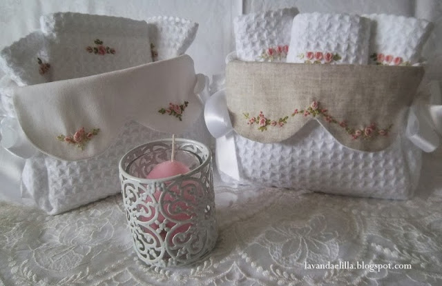 Lavanda e lill cestini da bagno con lavette - Cestini all uncinetto per il bagno ...
