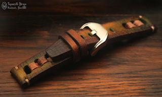 100% handmade strap, made of veg. tan. cow hide. 22/22 mm lugs/buckle. Also available in 22  mm width, on order. 125/75 mm  - M size. 5 mm thick Stainless steel buckle.