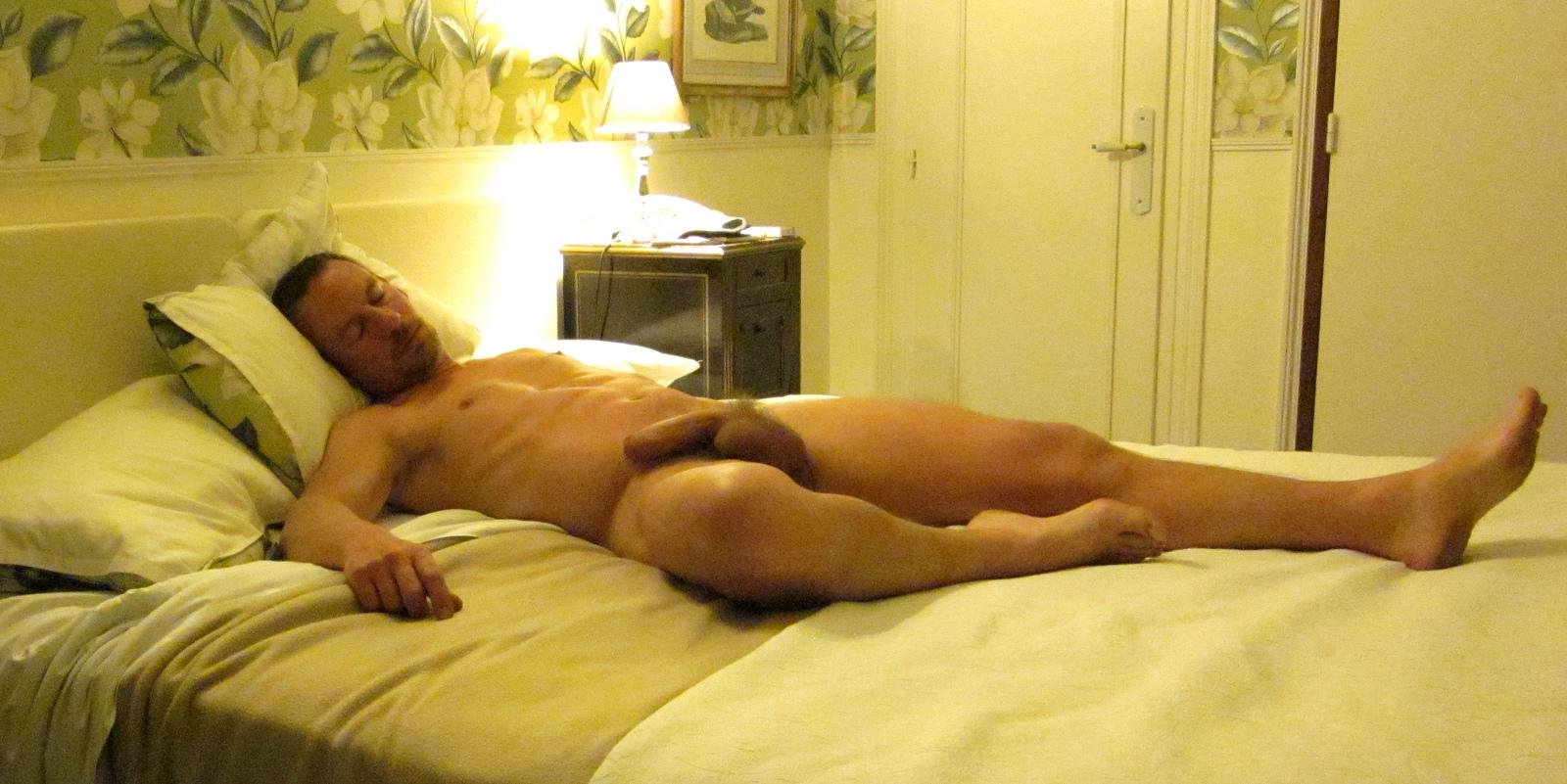 Big tittie girl sucking dick