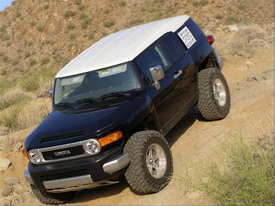 FJ Cruiser Off Road Normal Resolution HD Wallpaper