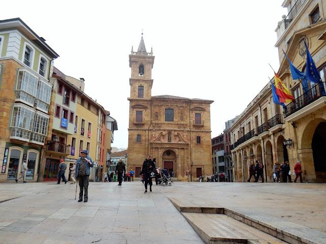 Plaza de la Constitución, Oviedo, La Vetusta, España, Elisa N, Blog de Viajes, Lifestyle, Travel