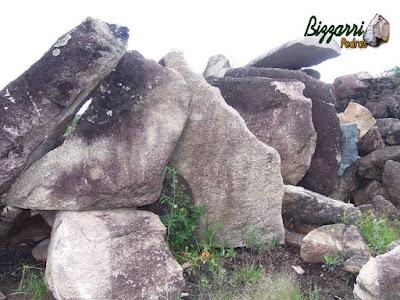 Pedra moledo com esse tipo de pedra chapão de pedra moledo para construção de gruta de pedra.