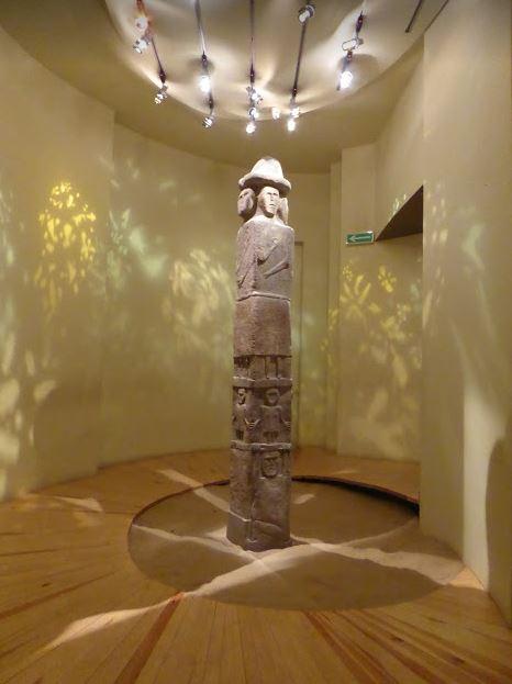 Statua stele nel museo etnografico di cracovia