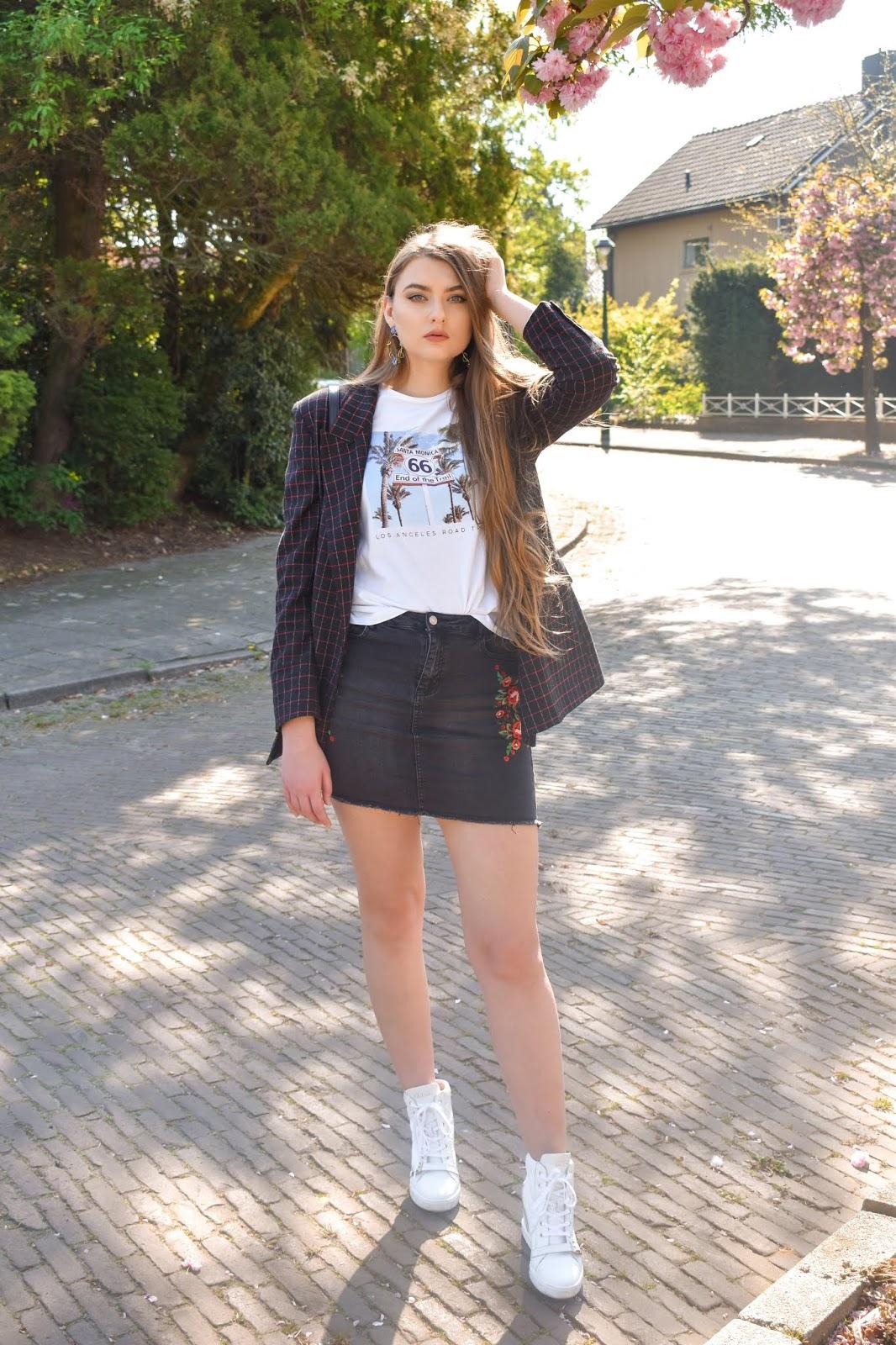 jeansowa spódnica stylizacje