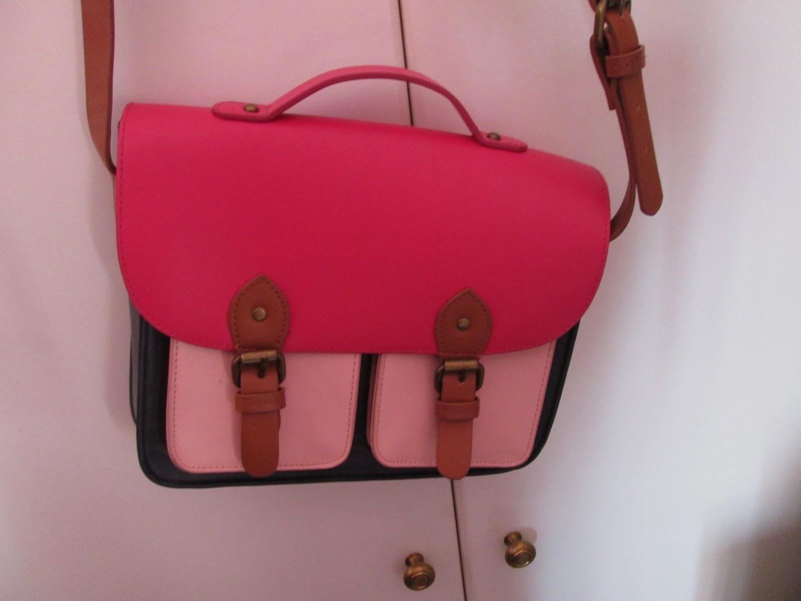 4) Tσάντα satchel Berhska Έχει φορεθεί μόνο 1-2 φορές Τιμή 12 ευρώ. 5)  Ρομαντική δαντελωτή φουστίτσα Η Μ σε ... c1dd219bb75