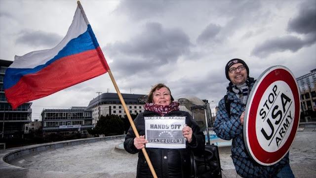 Protestan en Eslovaquia contra intervencionismo de EEUU