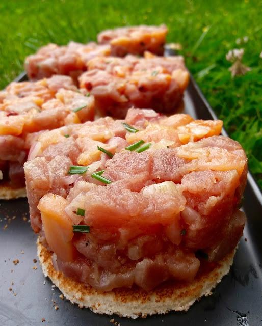 """alt=""""tartare de ton et saumon fumé"""""""