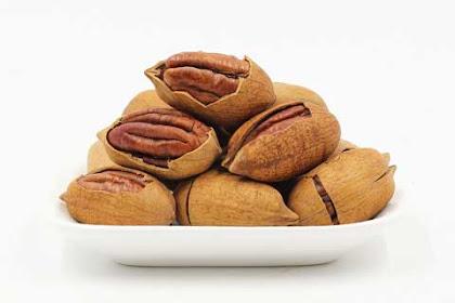 8 Manfaat kacang kenari untuk kesehatan dan kecantikan