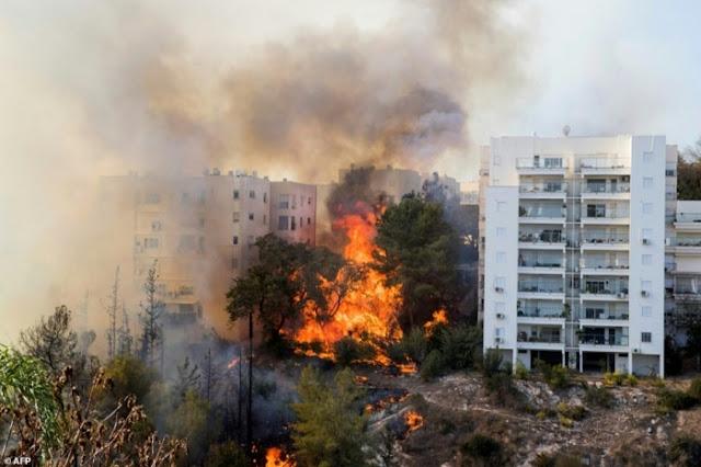 Netizen: Israel Terbakar Ketika Saudi Berhujan Salju, Pertanda APAKAH ?