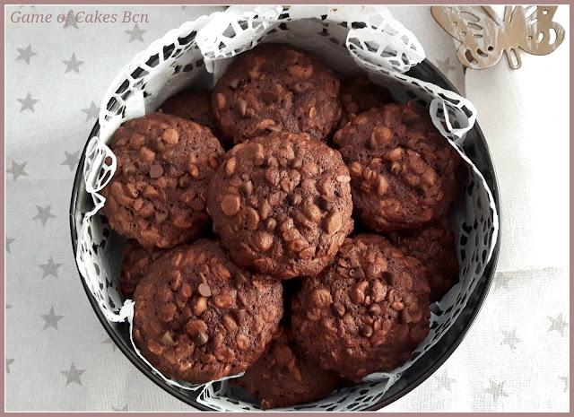 Caja llena de cookies de Chocolate y Avena