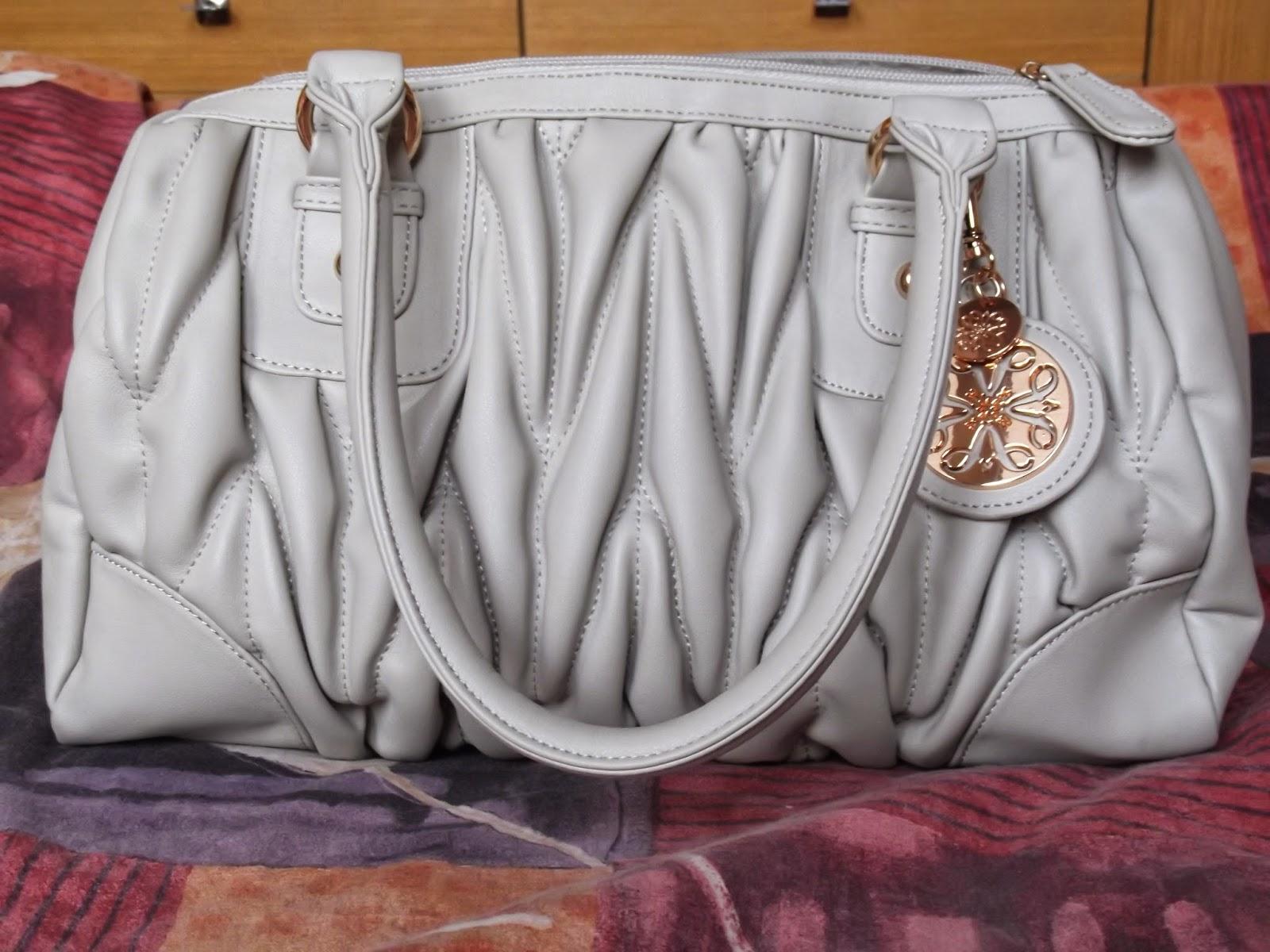 Túto kabelku som dostala od Avonu za splnenie nejakých podmienok 161362b126b