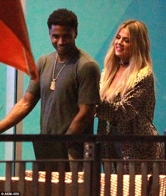 Tery songs and khloe kardashian seen living night club together on her 32nd birthday