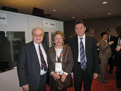 Joaquim Durão, Rosa María Durão y Kirsan Ilyumzhinov en la XXXVIII Olimpíada de Dresde 2008