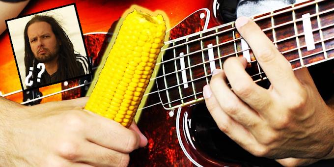 Youtuber se manda increíble cover de KORN con una mazorca de maíz.