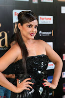Glamorous Actress Neetu Chandra in Black dress at IIFA Utsavam Awards 2017  HD Exclusive Pics 17.JPG