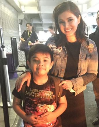 Angel Locsin's Sweet And Memorable Moment With Her 'Little Fan' At The Nascon Event