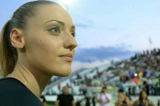 """Άννα Κορακάκη: """"Σαν Μακεδόνισσα λυπάμαι, μη φωτογραφηθείτε δίπλα μου"""""""