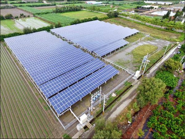 雲林台西《全縣最大地面型太陽能廠》啟用,年發電量可供635個家庭一整年使用