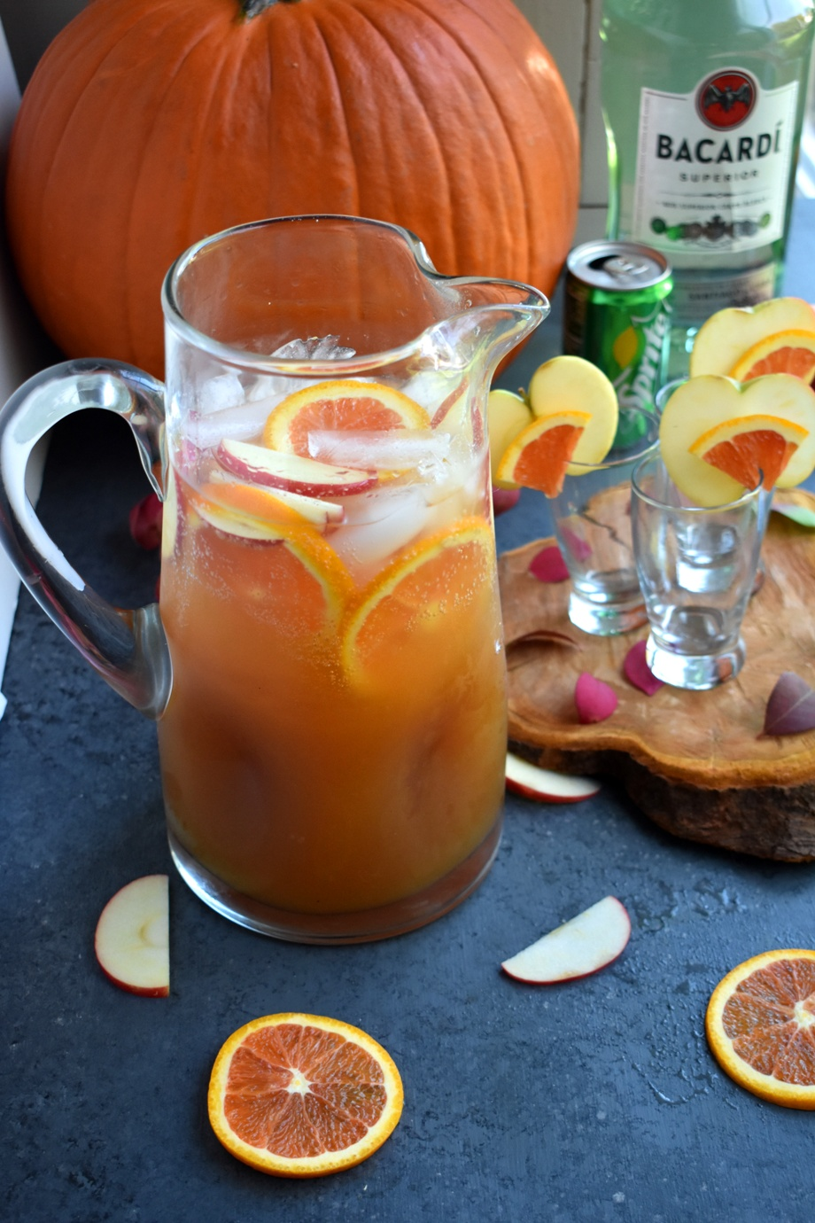 Apple Cider Rum Punch is the perfect easy cocktail with fresh apple cider, rum, honeycrisp apples, oranges and Sprite ready in just a few minutes! www.nutritionistreviews.com