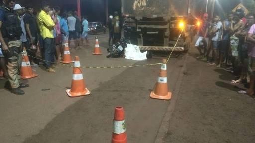 ACIDENTE - Condutor de moto morre ao bater em traseira de caminhão no Maranhão