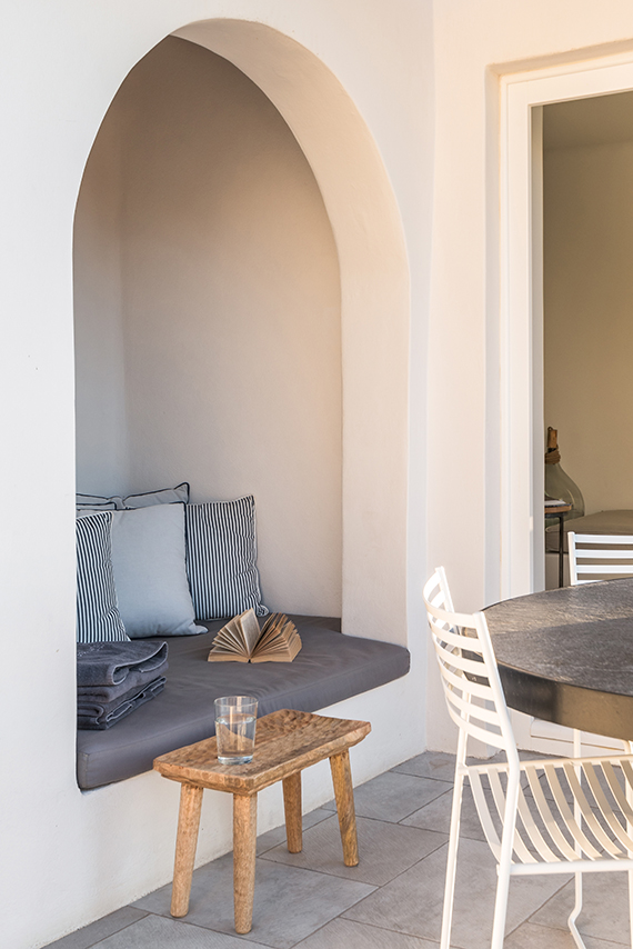 Porto Fira Suites in Santorini by Interior Design Laboratorium