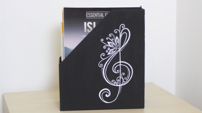 Easy DIY folder music box books decoupage paint white pen treble clef motif music piano