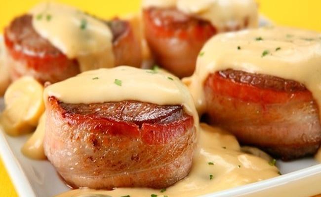 Medalhões de pescada com bacon na frigideira