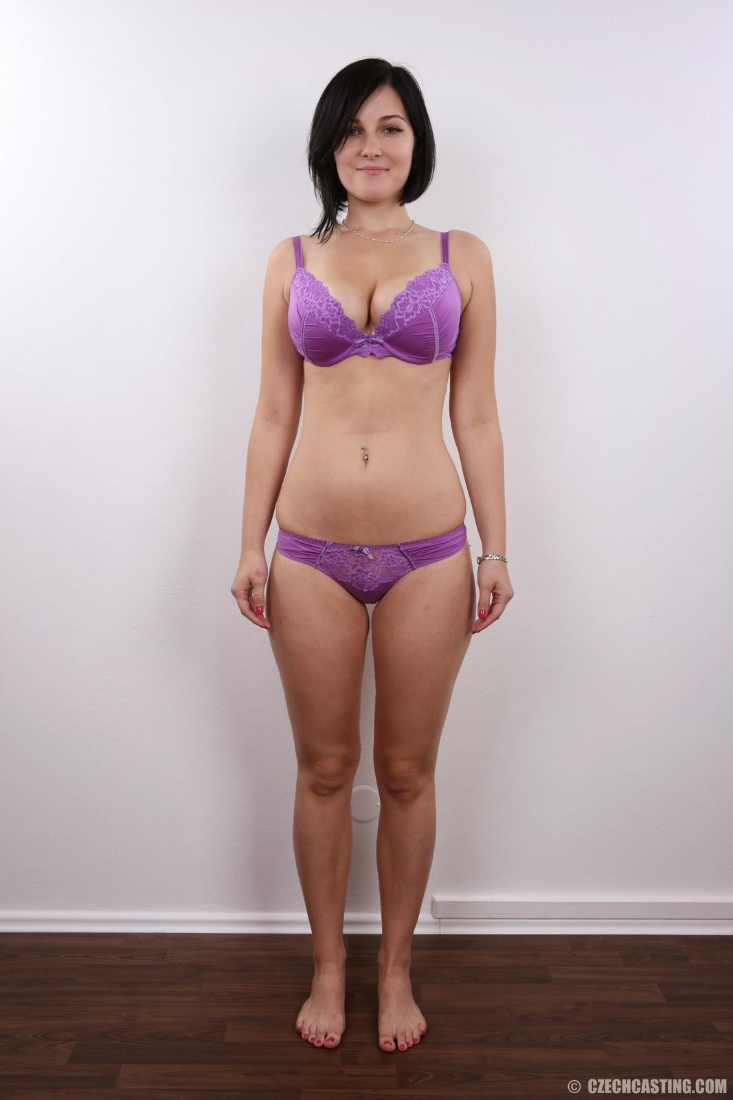 Market Nude Girl: La Zuzana des de la República Txeca