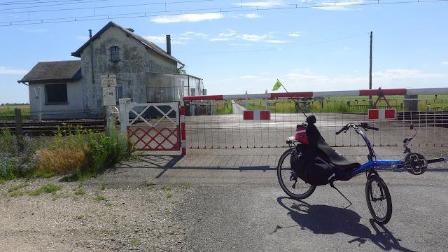 Tour de la Beauce en vélo couché  Passage à niveau