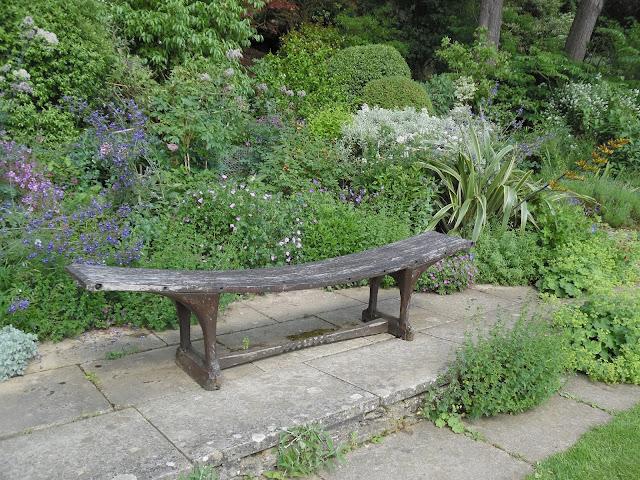 nowoczesna ławka