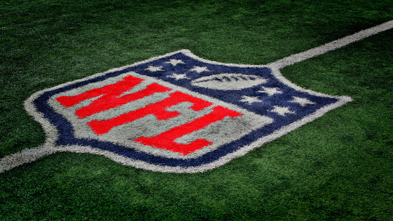 2012 - Free Download NFL Football HD Wallpapers for iPad and Nexus 7 title=
