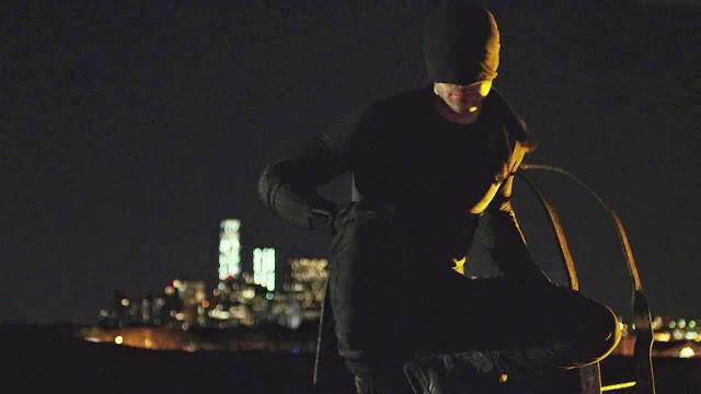 17 1 Black Costume Daredevil Netflix - Marvel's: Daredevil (Demolidor) - Análise 1ª Temporada