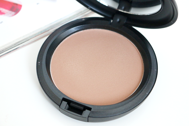 MAC Blot Pressed Powder in Dark