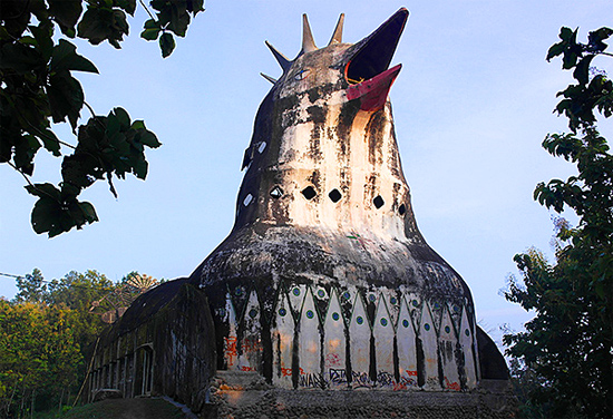 Chicken Church - Igreja da Galinha - Indonesia - Exterior