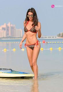 Danielle Lloyd ultra  body huge    in tiny bikini WOW Beach Side  Pics Celebs.in Exclusive 004