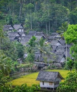 Wisata Kampung Adat Naga Tasikmalaya