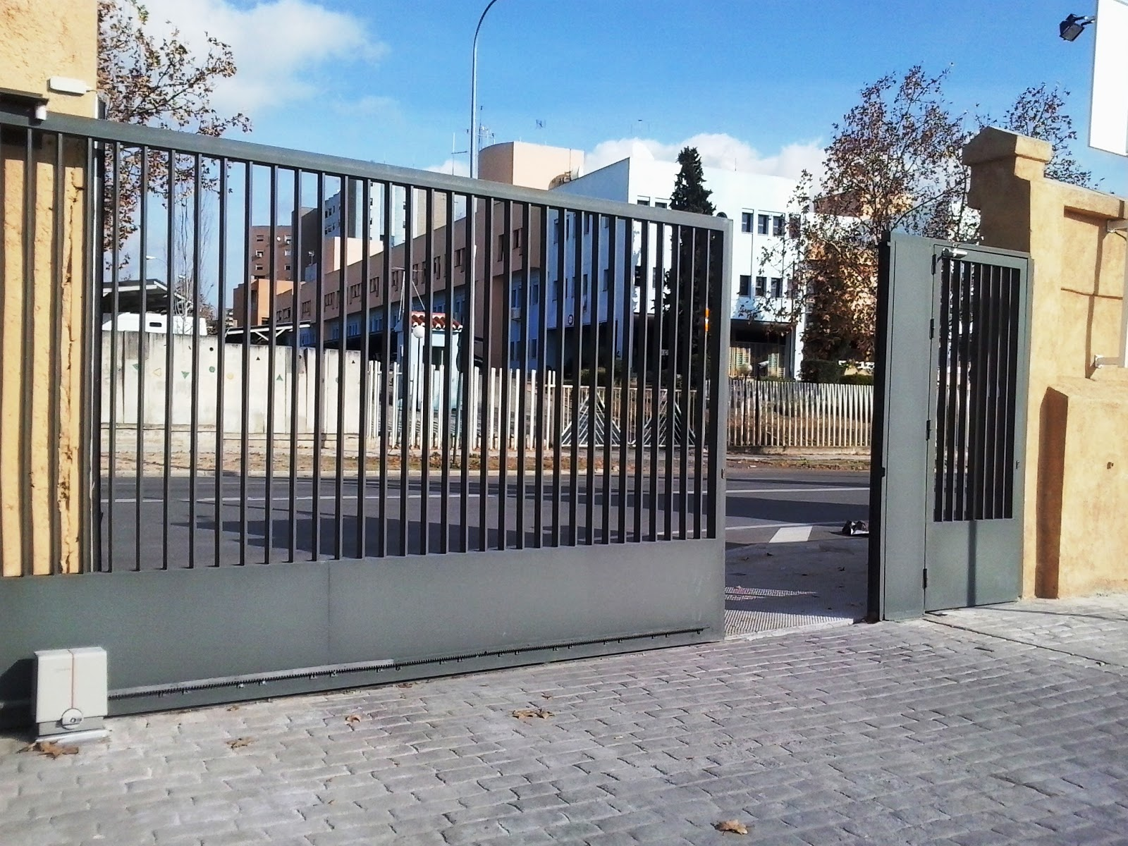 Blog de luismi iyc accionamiento neum tico de puerta for Accionamiento neumatico